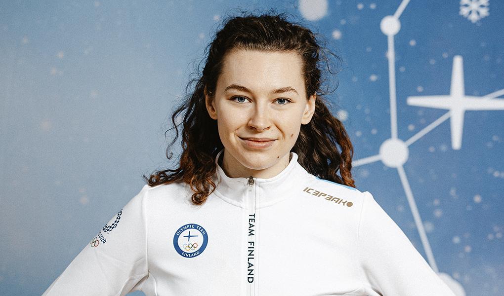Ella Junnila kuvassa olympiajoukkueen vaatetuksessa
