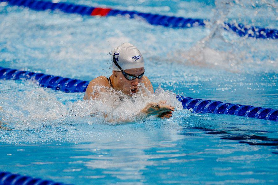 Ida Hulkko ui Tokion olympia-altaassa.